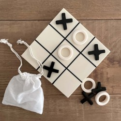 Noughts and Crosses Game Board