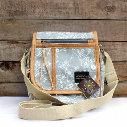 Passport Bag | Mongoose