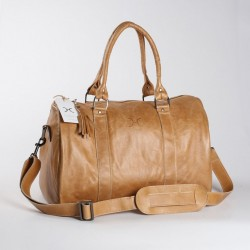The Medium Traveller | Hazelnut
